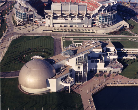 Science Museum · Cleveland, Ohio · Low altitude aerial view from Helicopter
